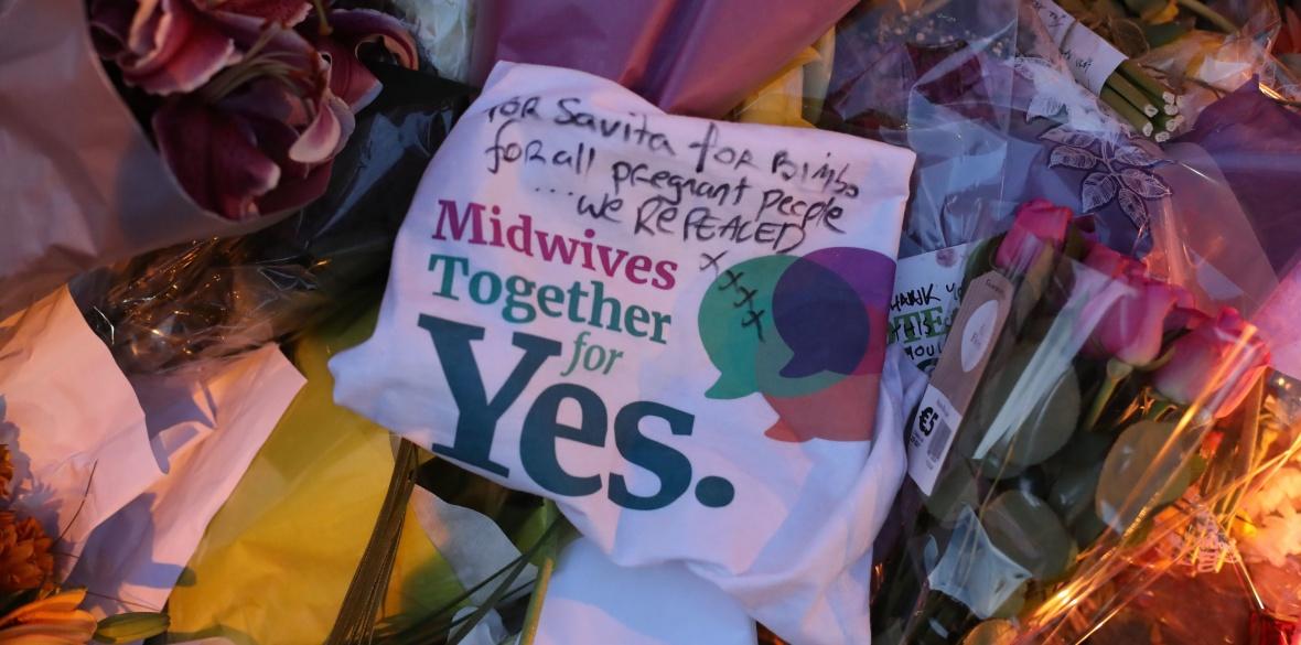 Irish midwives for abolishing anti-abortion law