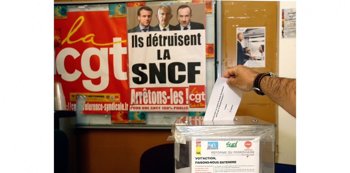French worker votes for strike