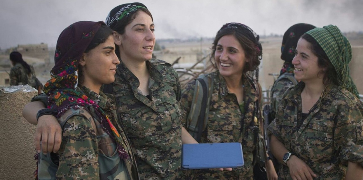 North Syrian Kurdish women YPJ anti-ISIS fighters. Photo: BijiKurdistan/Creative Commons
