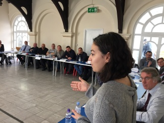 Exiled journalist Sarya Tunc addresses an Aslef meeting
