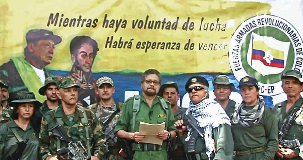 Segunda Marquetalia announce their formation — Vazquez is third from the right
