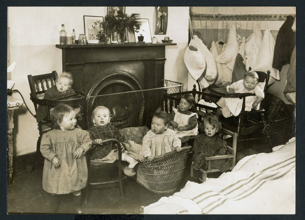 Children at Mothers Arms nursery