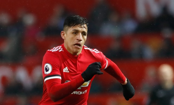 Alexis Sanchez playing for Manchester United